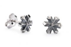 TAGEA-00079 Strand of Lights Studs